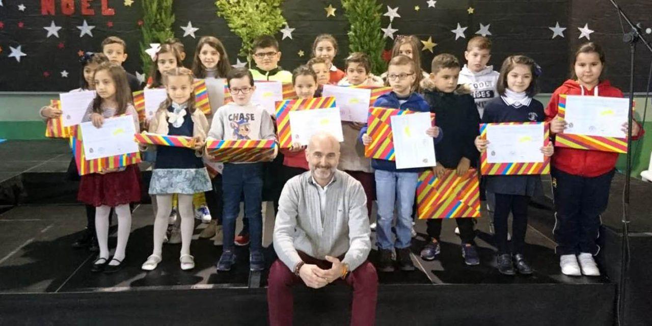 Educación entrega los premios del Concurso Escolar de Dibujos Navideños y del I Concurso Escolar de Villancicos