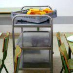 """La Consejería asegura que se está haciendo """"todo lo legalmente posible"""" para restablecer los comedores escolares"""