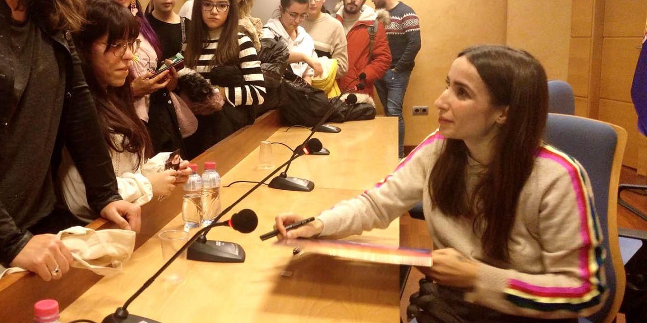 Zahara amadrina el Proyecto UJA Talento, que fomenta la actividad artística del alumnado