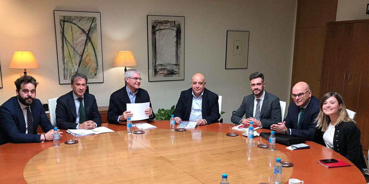 El Grupo Parlamentario Socialista de Jaén se reúne con Renfe para impulsar mejoras en la provincia