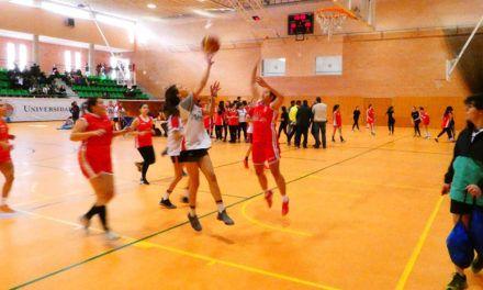 La UJA se acerca a los centros educativos a través del deporte con su Trofeo Acceso