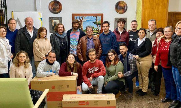 Alumnado de Educación Primaria de la UJA hace entrega a Aprompsi de dos máquinas de aire acondicionado obtenidas con su reto solidario en la Carrera de San Antón 2020