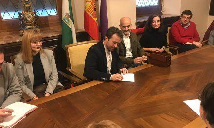 El Ayuntamiento recoge las peticiones de la federación de asociaciones de madres y padres de escolares