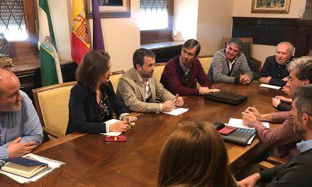 El alcalde recoge las demandas de las federaciones vecinales Ciudadanos por Jaén y OCO y reitera la colaboración municipal para trabajar en ellas