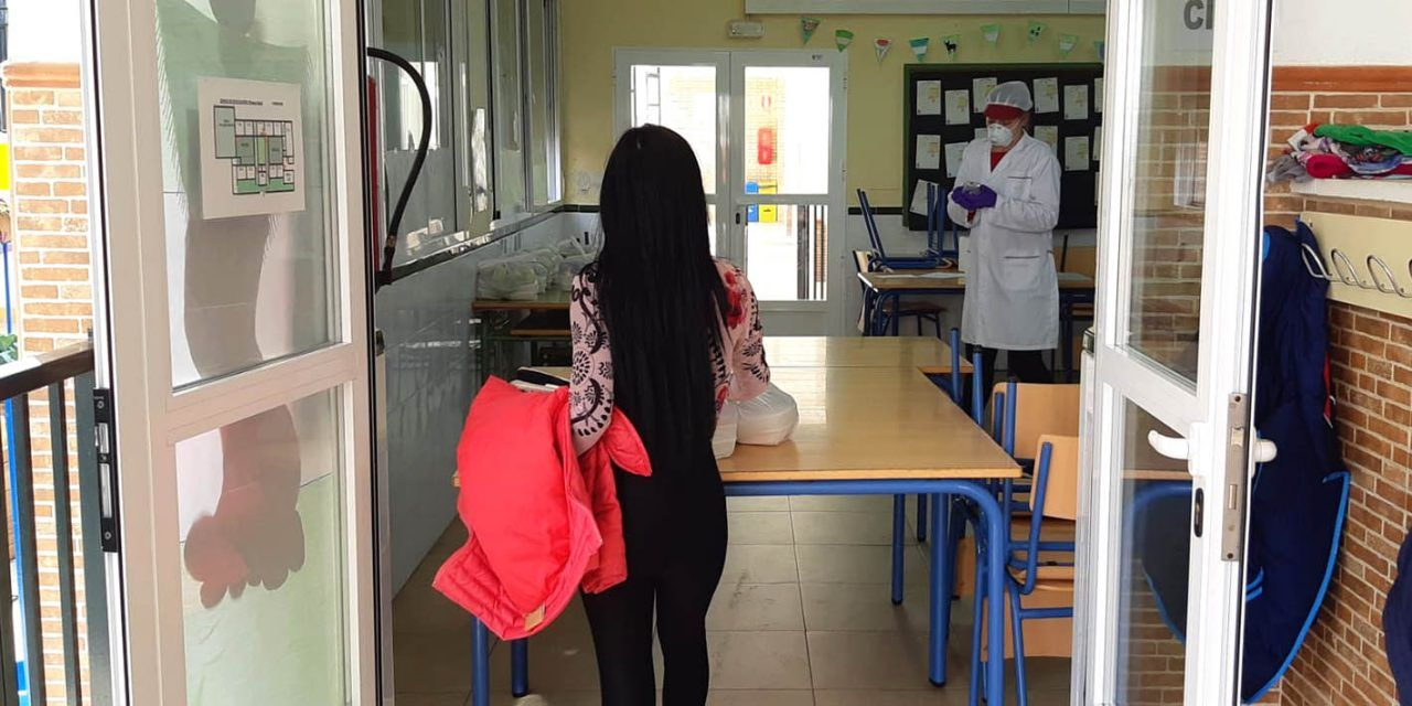 CRISIS CORONAVIRUS | Educación continúa ofreciendo las tres comidas diarias a escolares en riesgo de exclusión social de Martos