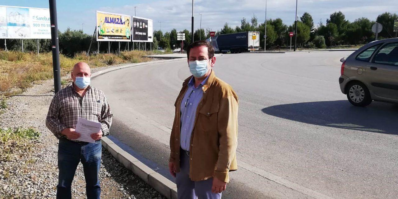Jaén acomete la semana que viene las obras del acerado en la rotonda de la Pajarita