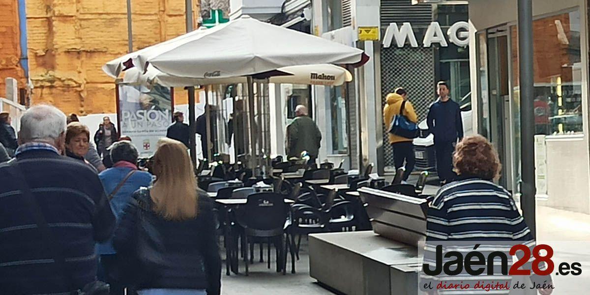 El Ayuntamiento de Jaén y el sector hostelero estudiarán caso por caso la ampliación excepcional del espacio para terrazas