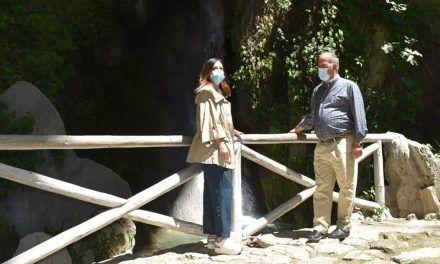 Maribel Lozano resalta el potencial turístico de la Cueva del Agua de Quesada tras la declaración de Monumento Natural por el Consejo de Gobierno