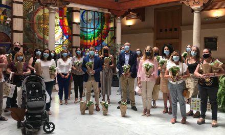 El alcalde entrega los premios del I Concurso 'Jaén comparte la primavera', todo un éxito de participantes con 40 proyectos presentados