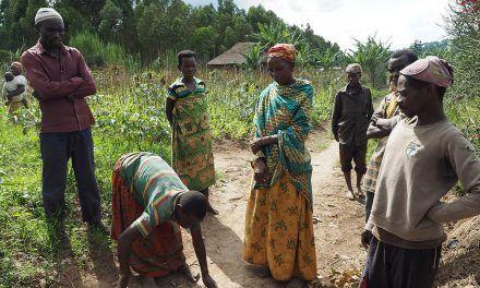 La UJA proporciona formación y apoyo técnico agrícola con recursos sostenibles y localmente disponibles al grupo étnico 'batwa' en Burundi