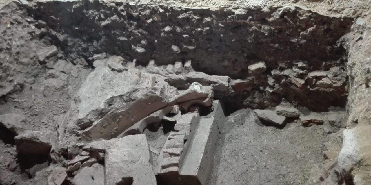Las obras en la Iglesia de Santo Domingo descubren restos de un pórtico del antiguo palacio islámico