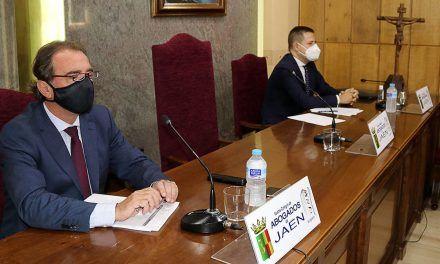 Los colegios de Abogados y de Procuradores de Jaén muestran su malestar por los perjuicios generados por la habilitación de los juzgados en agosto