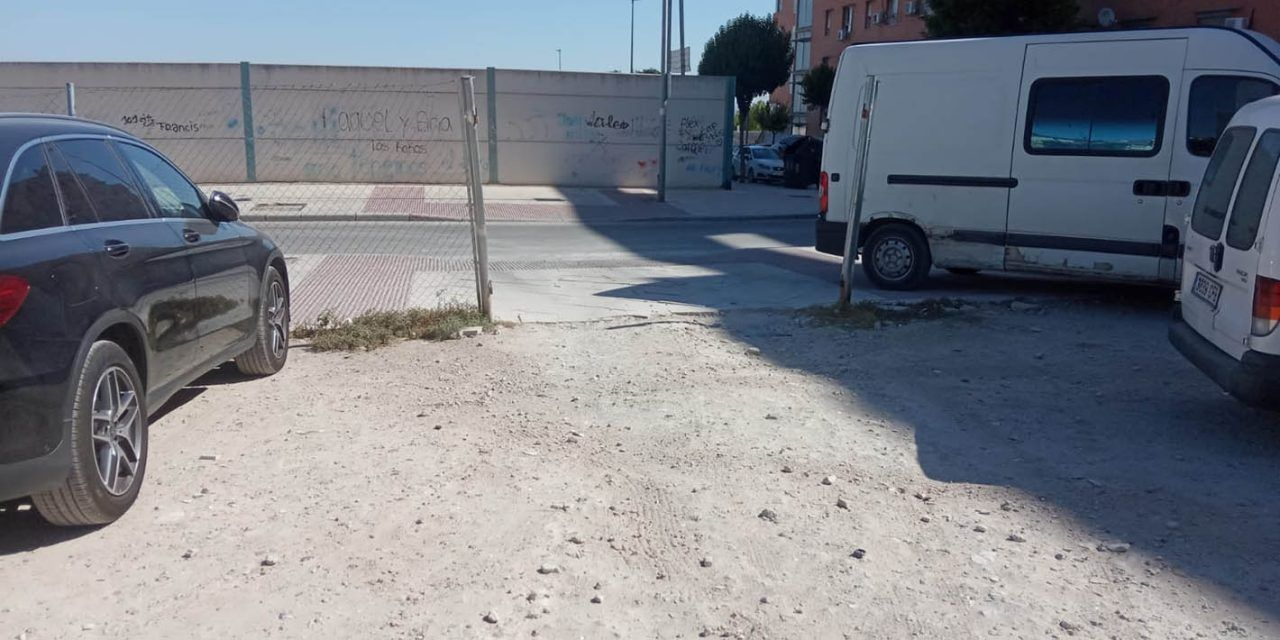 Limpian varios puntos de estacionamiento en superficie