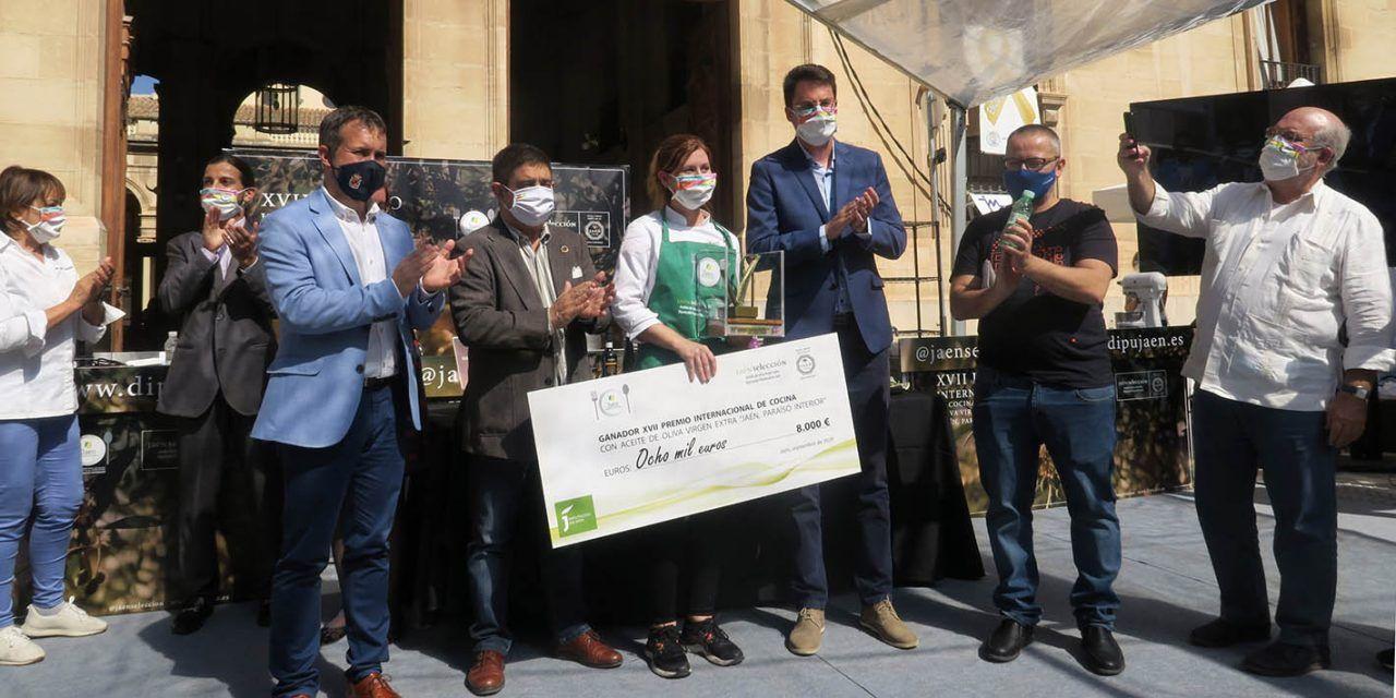 La chef Ingrid Serra, primera mujer en ganar el Premio Internacional de Cocina con AOVE de la Diputación