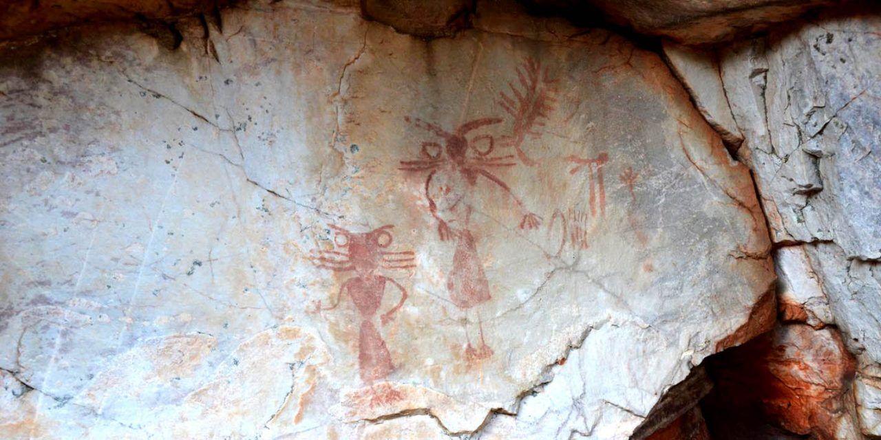 Cultura interviene en la conservación y puesta en valor de las pinturas rupestres de Los Órganos en Despeñaperros