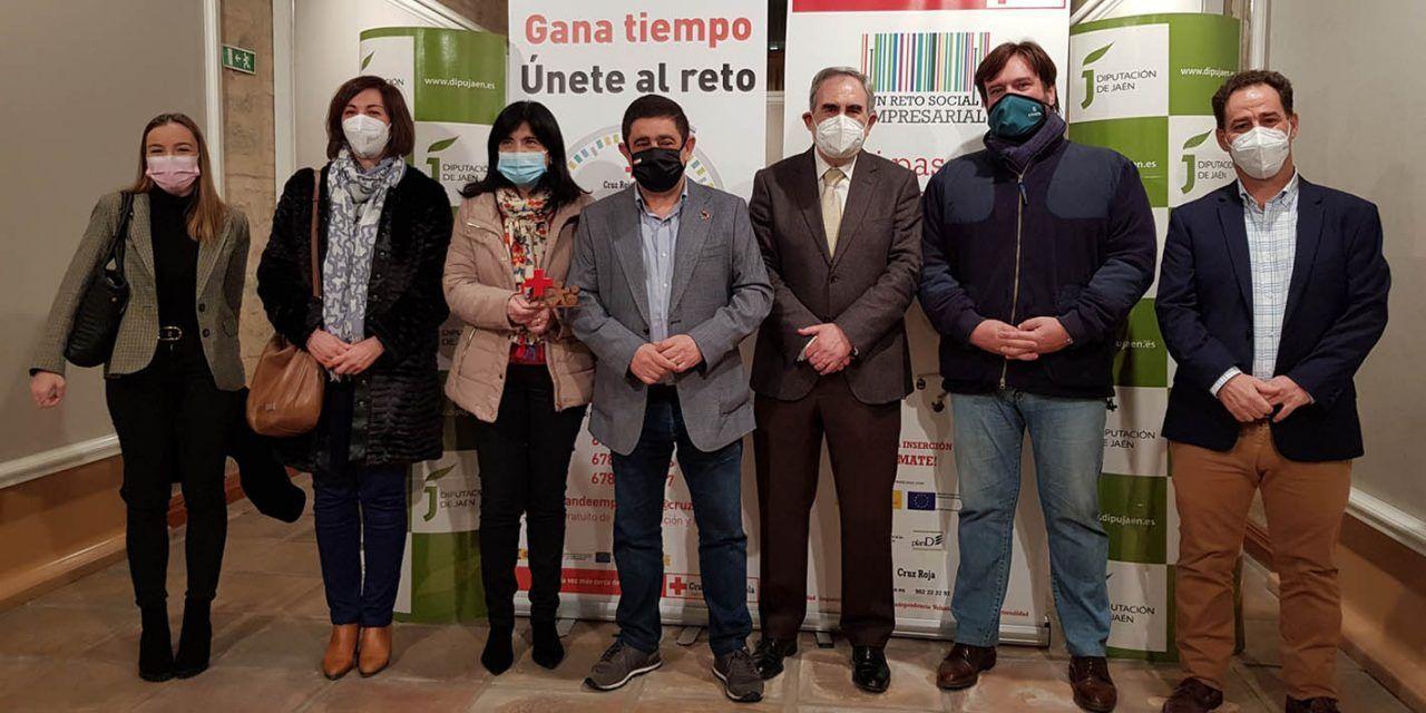 La Diputación recibe el reconocimiento de Cruz Roja por apoyar el plan de empleo de la institución humanitaria