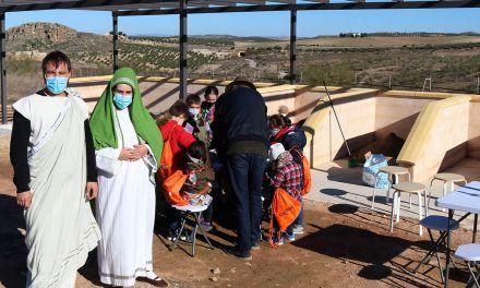 El arqueódromo del yacimiento de Puente Tablas acoge su primera actividad didáctica con niños