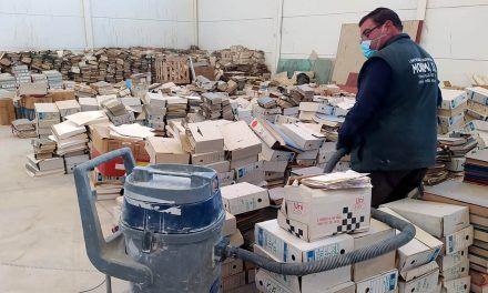 Documentos del archivo municipal de Jaén estuvieron abandonados durante años a su suerte en una nave industrial