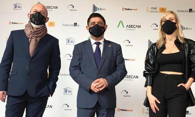 Reyes recoge el Premio Asecan de Honor concedido a la Diputación de Jaén por sus 30 años de apoyo al cine