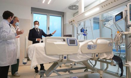 El presidente de la Junta visita las mejoras que se han llevado a cabo en el Complejo Hospitalario de Jaén