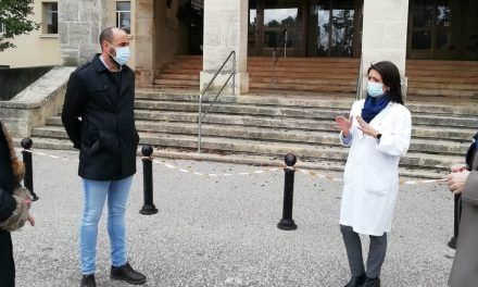 Salud y Familias traslada siete usuarios de residencias al 'Doctor Sagaz'