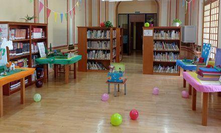 Las bibliotecas municipales Condestable Iranzo y Manuel Caballero celebran el Día Internacional del Libro Infantil con exposiciones de cuentos para despertar el interés por la lectura a los más pequeños