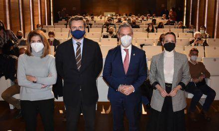 Bravo presenta el Fondo de Desarrollo Urbano a alcaldes y empresarios de Jaén
