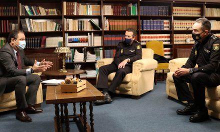 El Colegio de Farmacéuticos y la Policía Nacional colaboran para dotar de mayor seguridad a las oficinas de farmacia