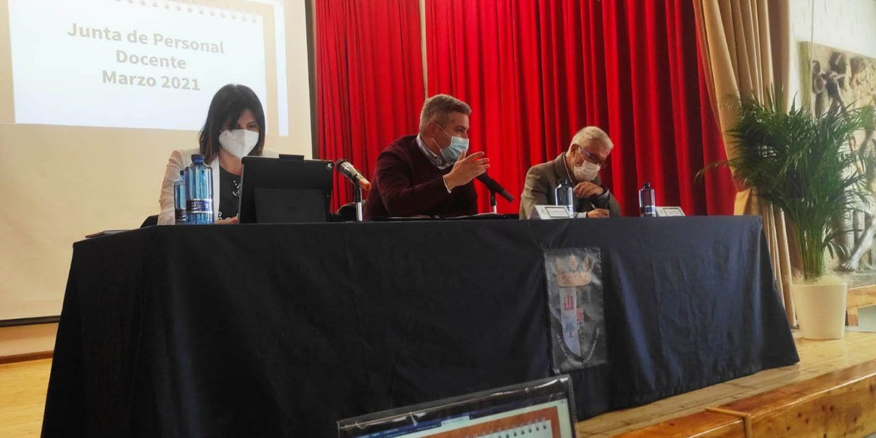 Educación resalta con los representantes sindicales el aumento de docentes en Jaén