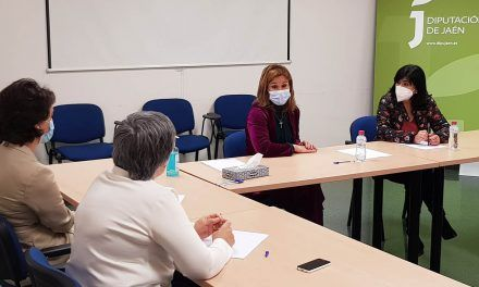 La diputada de Igualdad y Bienestar Social ensalza el trabajo realizado por los profesionales del CPD durante la pandemia