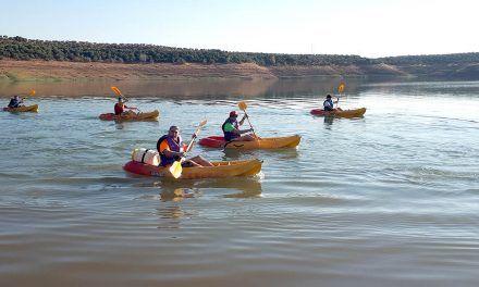 La Universidad de Jaén programa diferentes actividades deportivas en el medio acuático