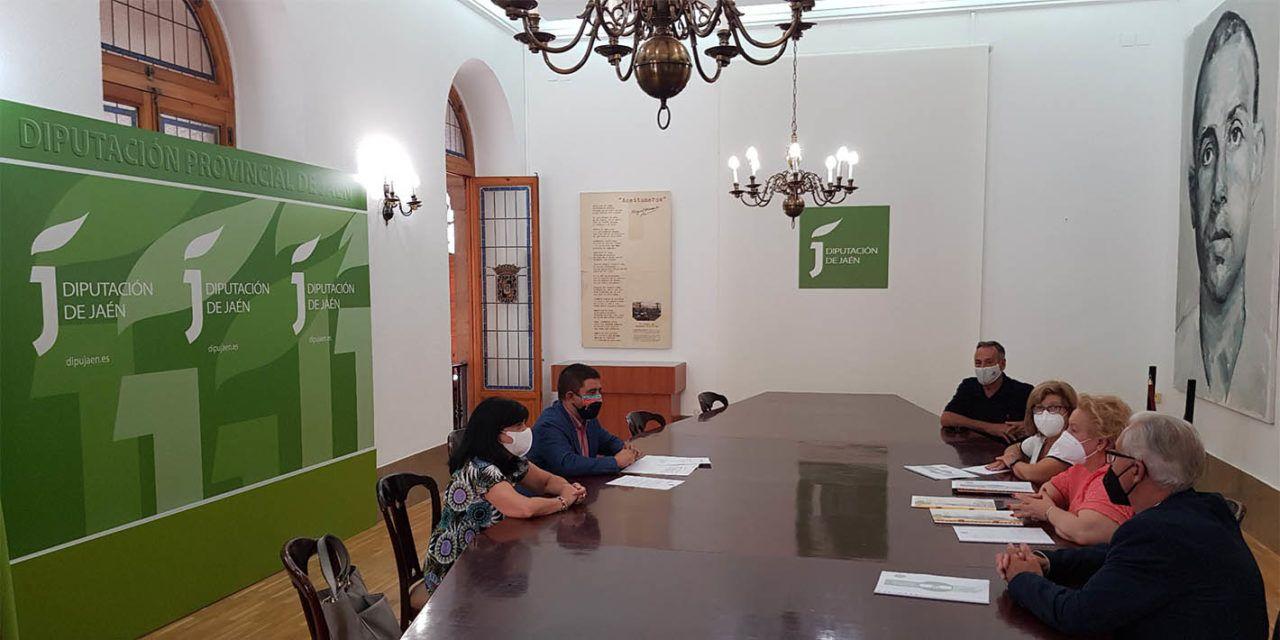 El presidente de la Diputación se reúne con miembros de la Federación de Entidades Culturales Andaluzas en Valencia
