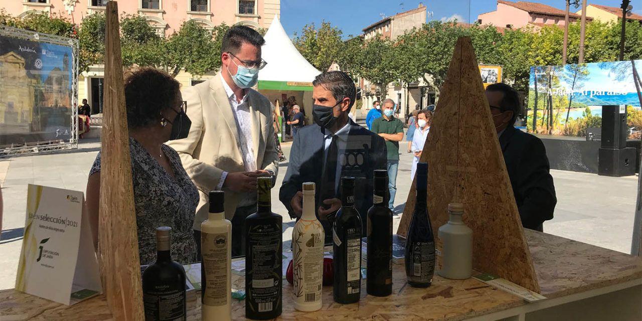 La oferta turística, el AOVE y la artesanía jiennenses se promocionan este fin de semana en Alcalá de Henares