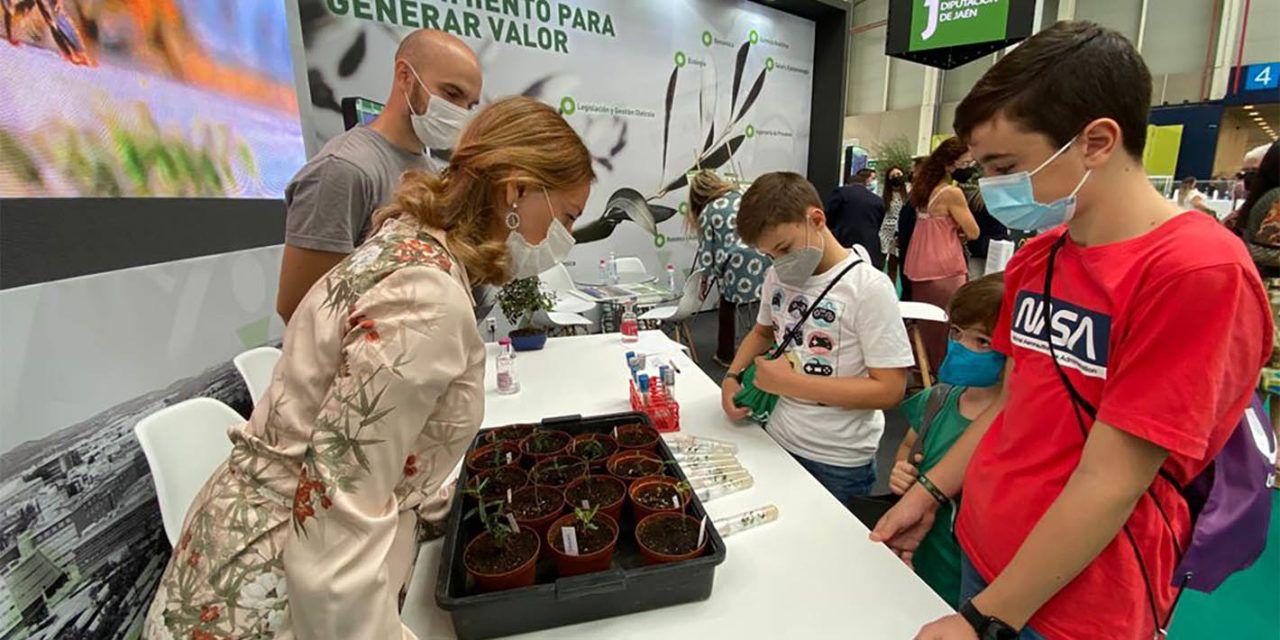 EXPOLIVA | La UJA organiza en EXPOLIVA 2021 dos talleres divulgativos sobre variedades de olivo y paisajes del olivar en 3D